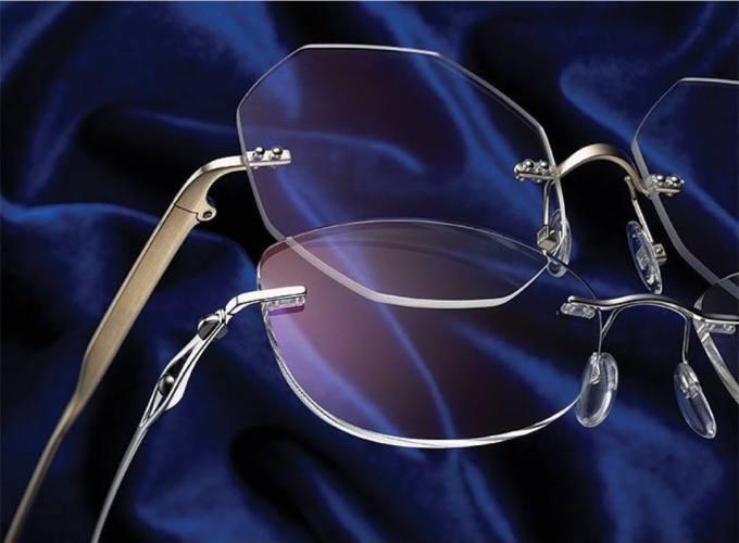عینک سازی کلاسیک در نوشهر