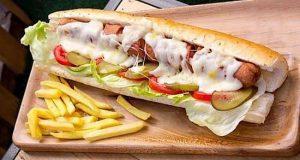 ساندویچ سوسیس رستوران لیمانو